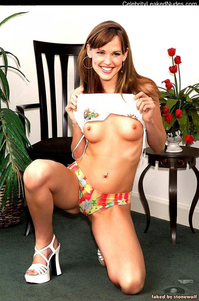 Newest Celebrity Nude Jennifer Garner 10 pic