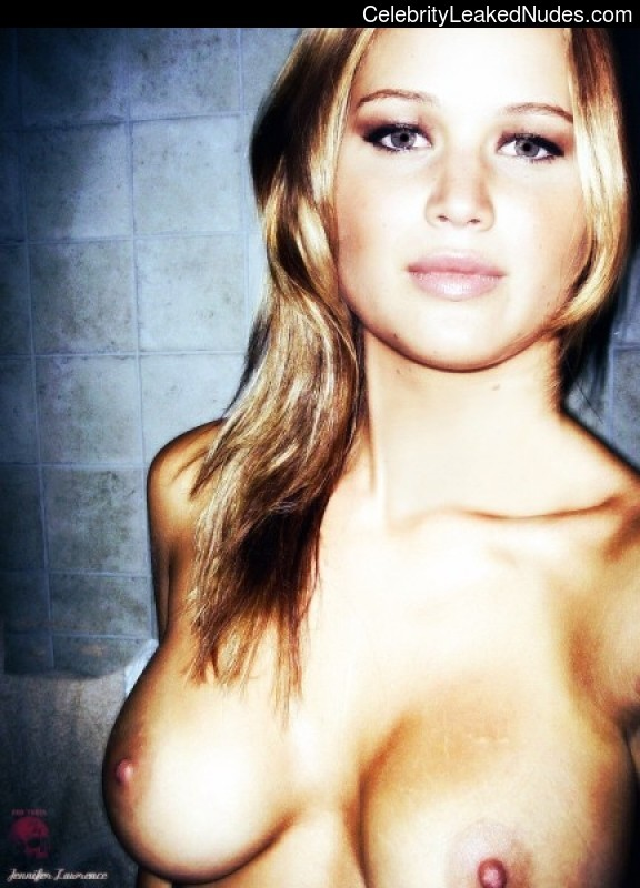 Hot Naked Celeb Jennifer Lawrence 7 pic
