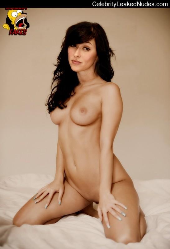 celeb nude Jennifer Love Hewitt 6 pic