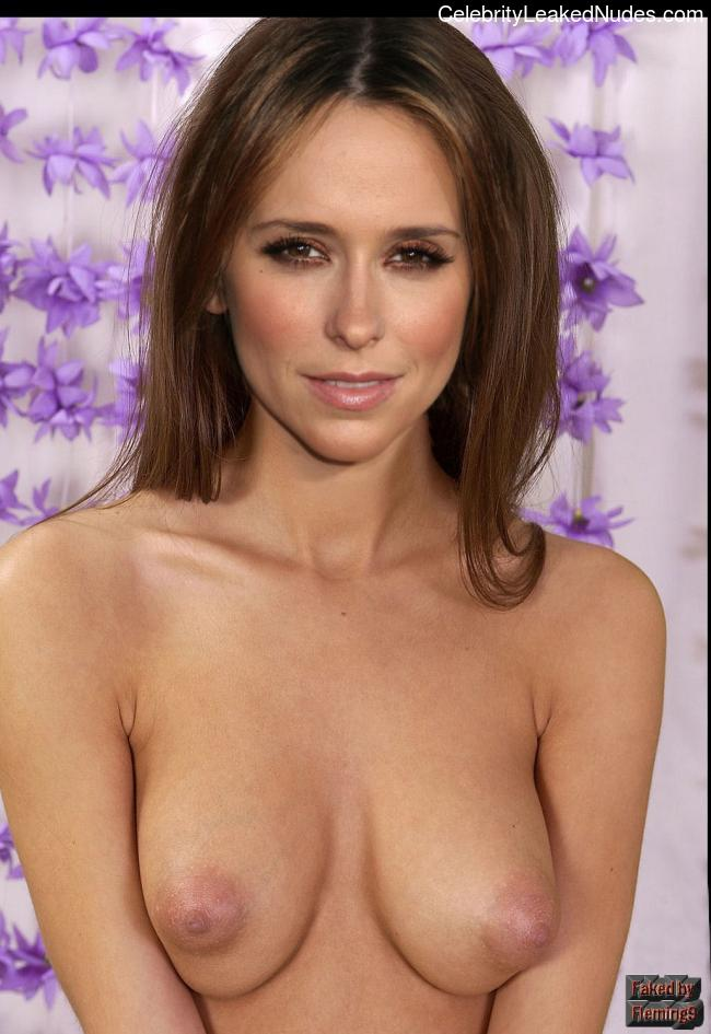 Hot Naked Celeb Jennifer Love Hewitt 11 pic
