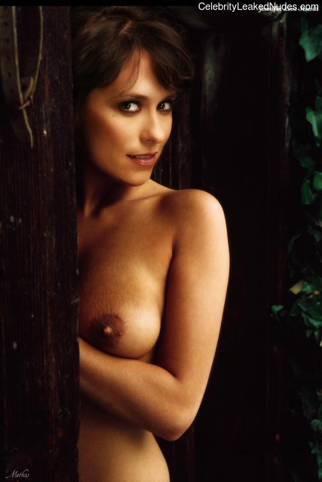 Famous Nude Jennifer Love Hewitt 10 pic