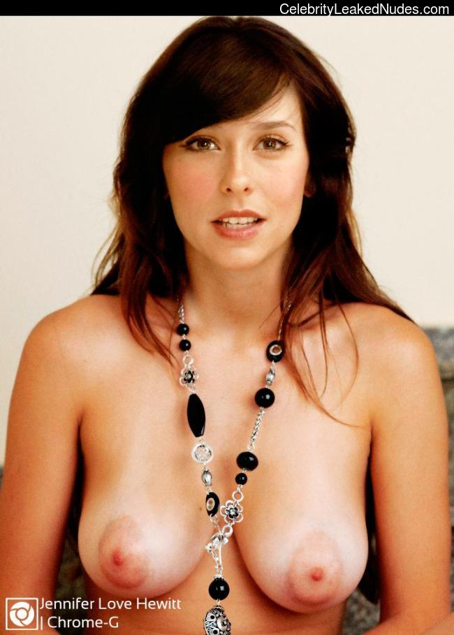 Free nude Celebrity Jennifer Love Hewitt 17 pic