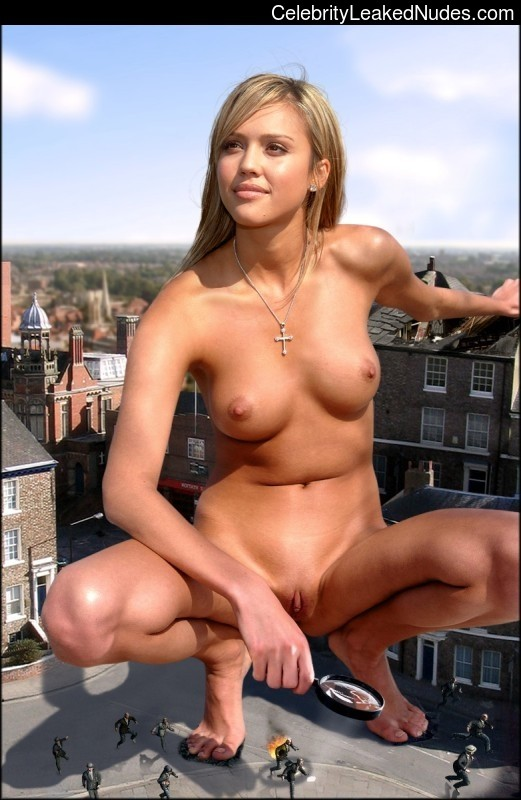 Celebrity Leaked Nude Photo Jessica Alba 4 pic