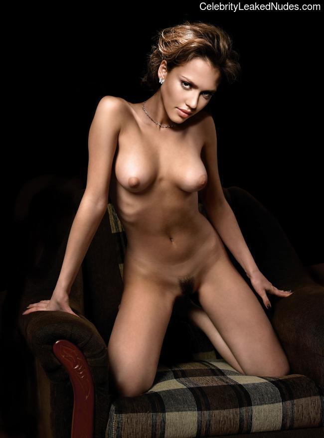 naked Jessica Alba 25 pic