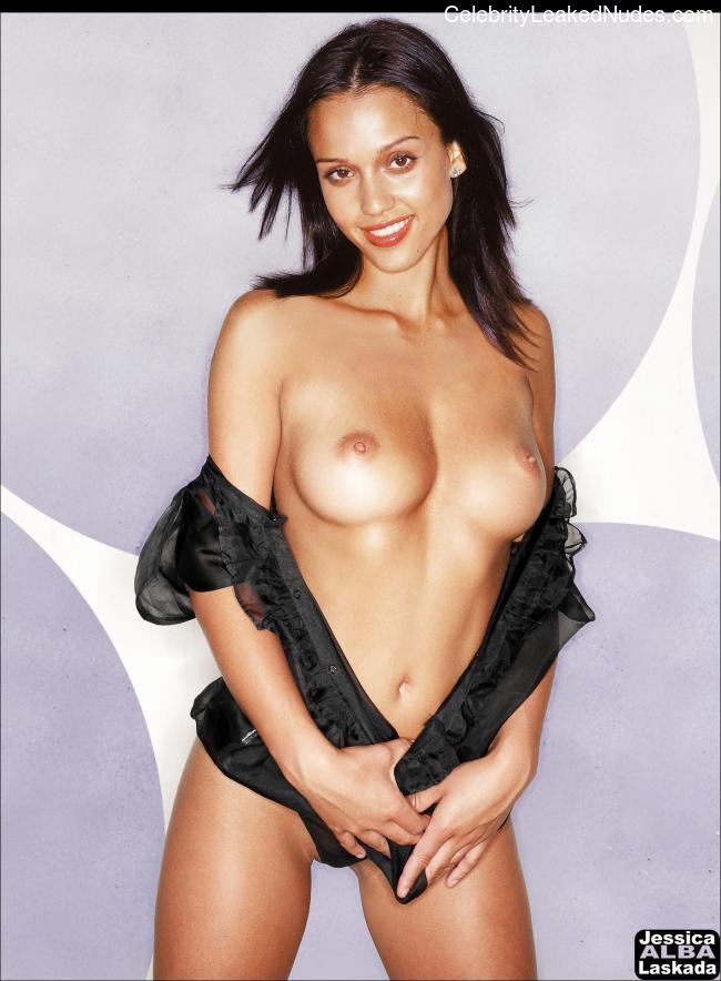 Celeb Nude Jessica Alba 21 pic