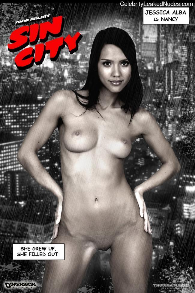 Celeb Nude Jessica Alba 24 pic
