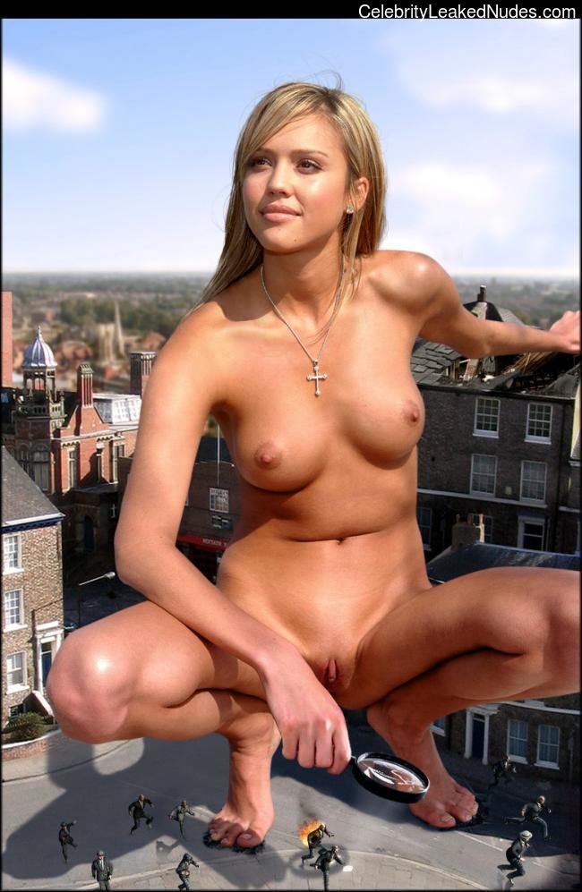 fake nude celebs Jessica Alba 28 pic