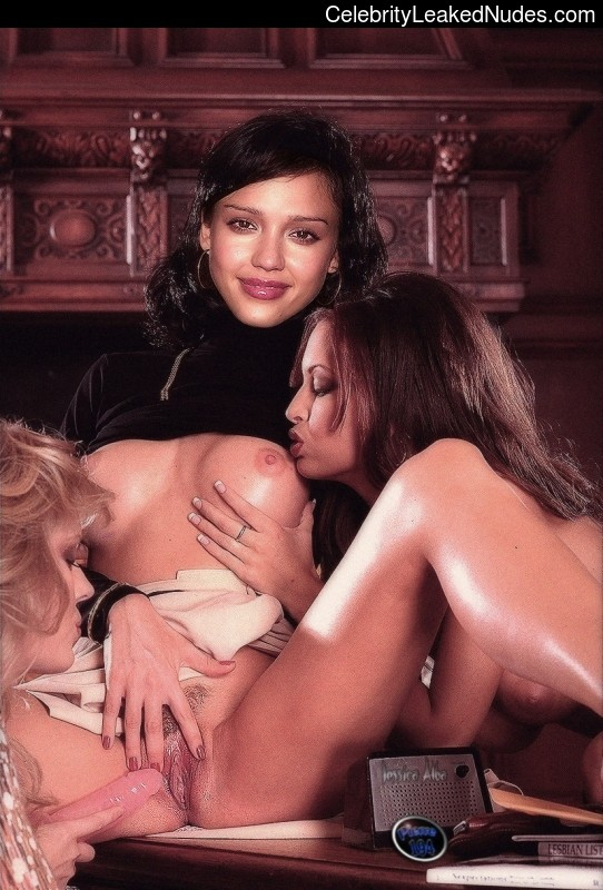 Hot Naked Celeb Jessica Alba 29 pic
