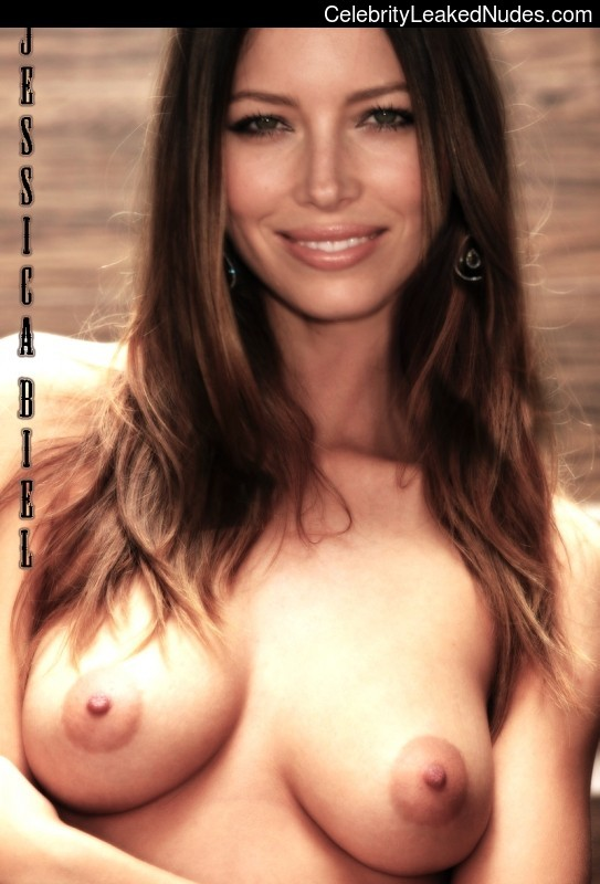 Hot Naked Celeb Jessica Biel 5 pic