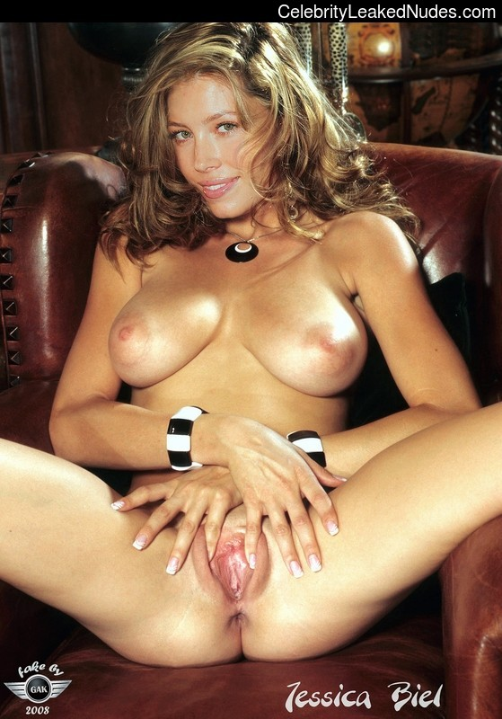 Hot Naked Celeb Jessica Biel 26 pic