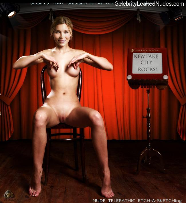 Real Celebrity Nude Jessica Biel 12 pic