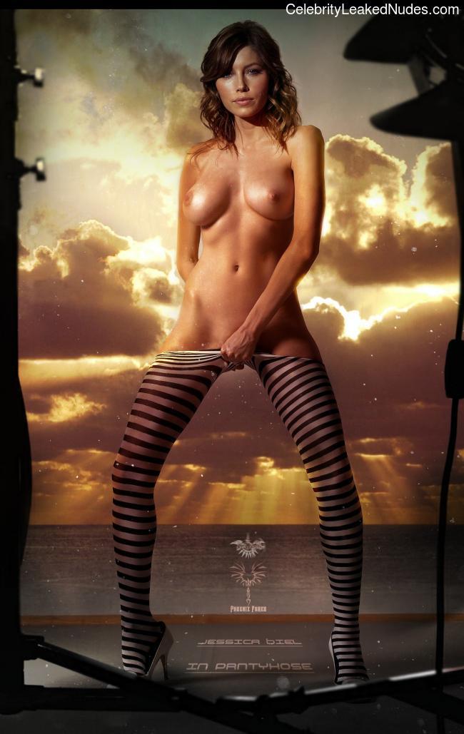 Celeb Naked Jessica Biel 8 pic