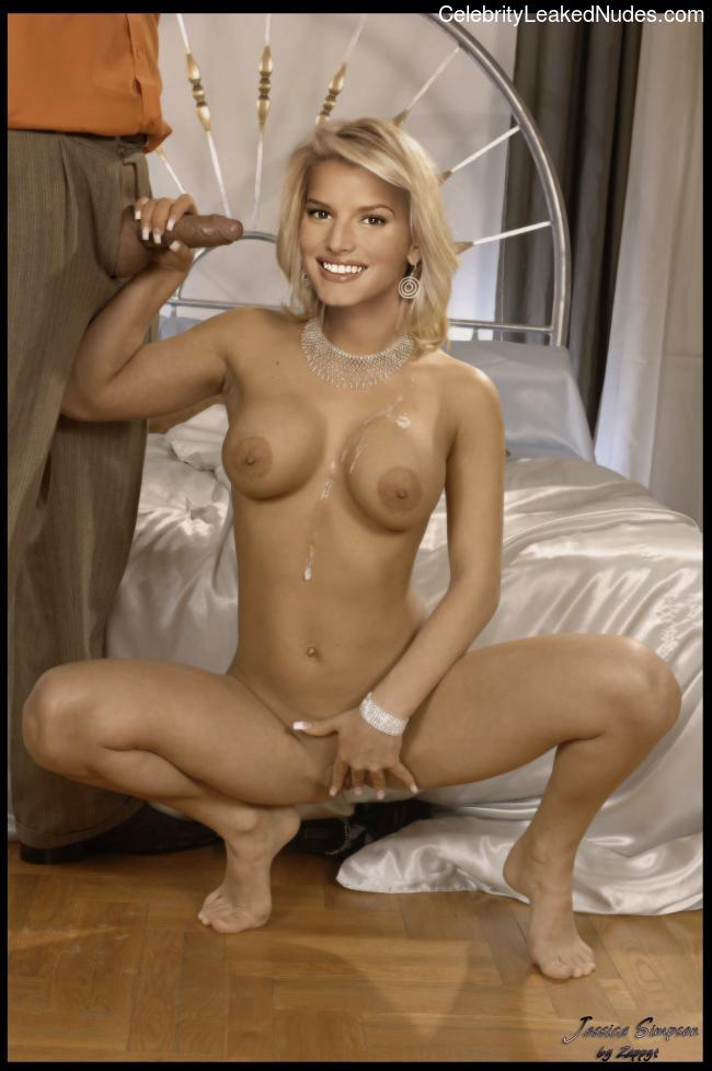 Hot Naked Celeb Jessica Simpson 10 pic