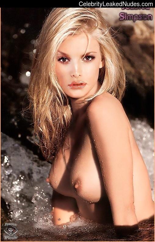 Free Nude Celeb Jessica Simpson 5 pic