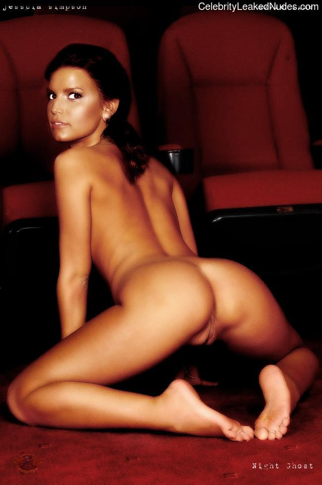 Naked Celebrity Pic Jessica Simpson 16 pic