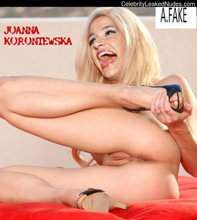 Celeb Nude Joanna Koroniewska 2 pic