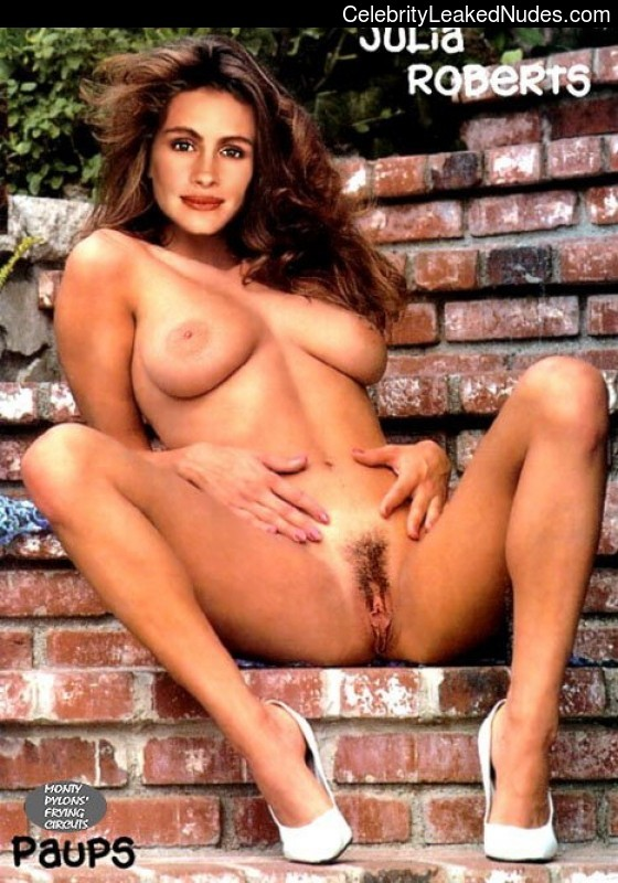 Julia Roberts nude celebrity pictures