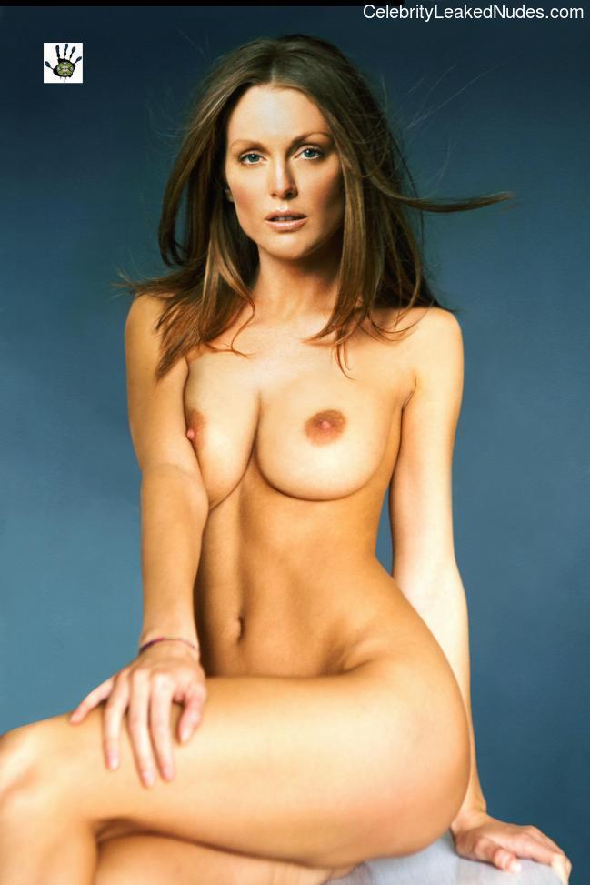 Julianne Moore nude celebs