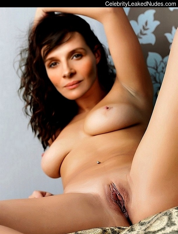 Naked celebrity picture Juliette Binoche 4 pic