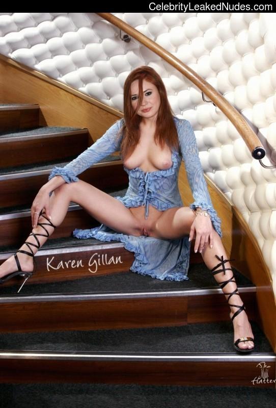 Hot Naked Celeb Karen Gillan 11 pic