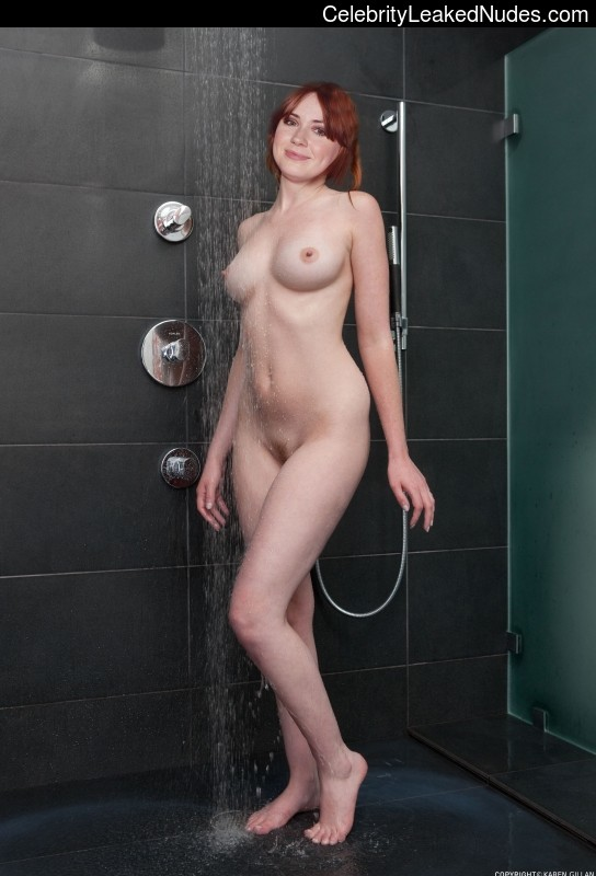 Nude Celebrity Picture Karen Gillan 12 pic