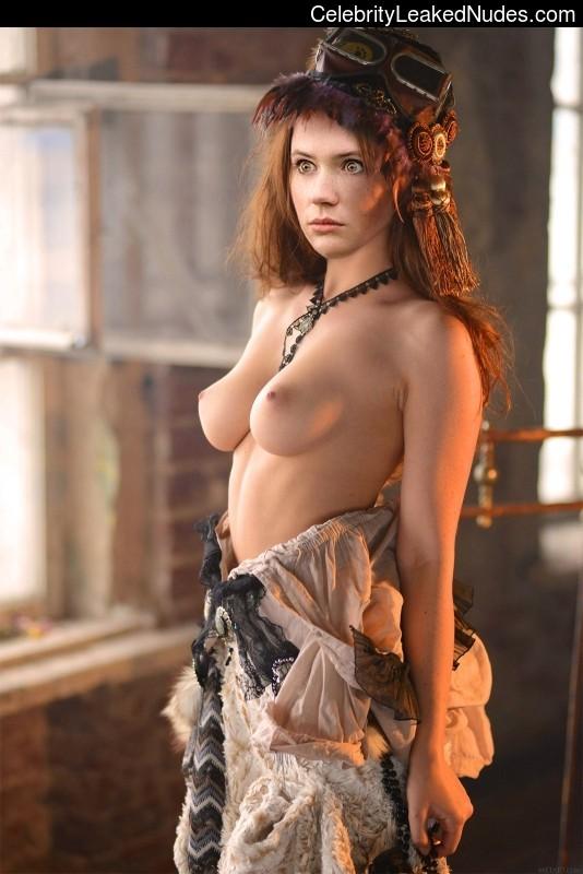 Celeb Nude Karen Gillan 18 pic