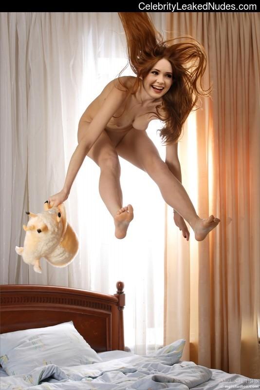 Naked celebrity picture Karen Gillan 8 pic
