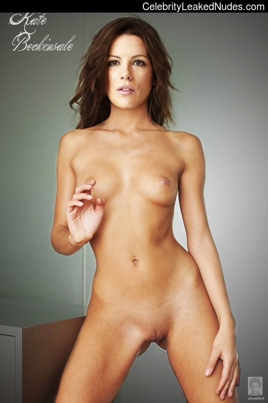 Celeb Naked Kate Beckinsale 19 pic