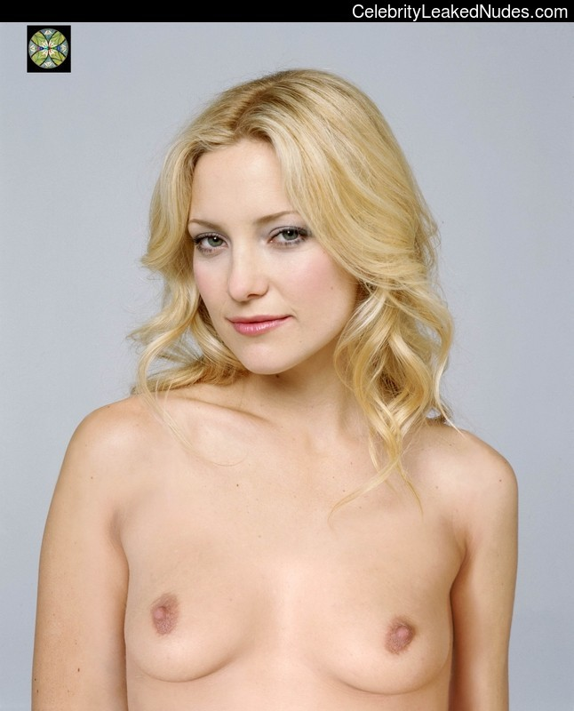 Famous Nude Kate Hudson 17 pic