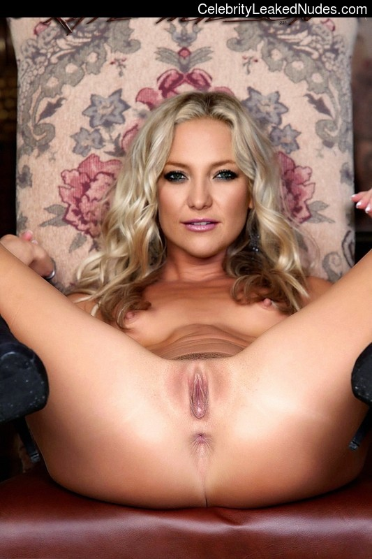 Newest Celebrity Nude Kate Hudson 30 pic