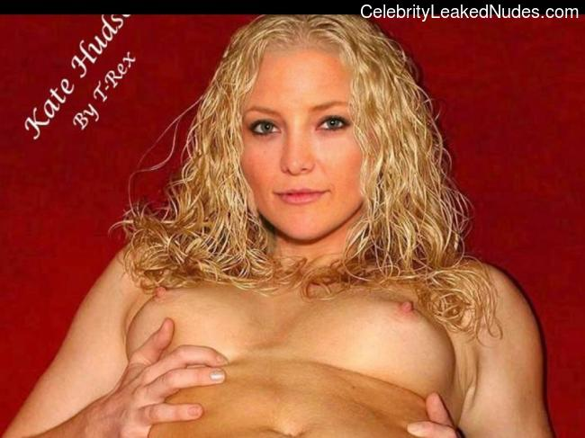 Naked Celebrity Kate Hudson 16 pic