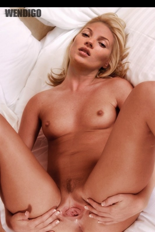 Hot Naked Celeb Kate Moss 13 pic