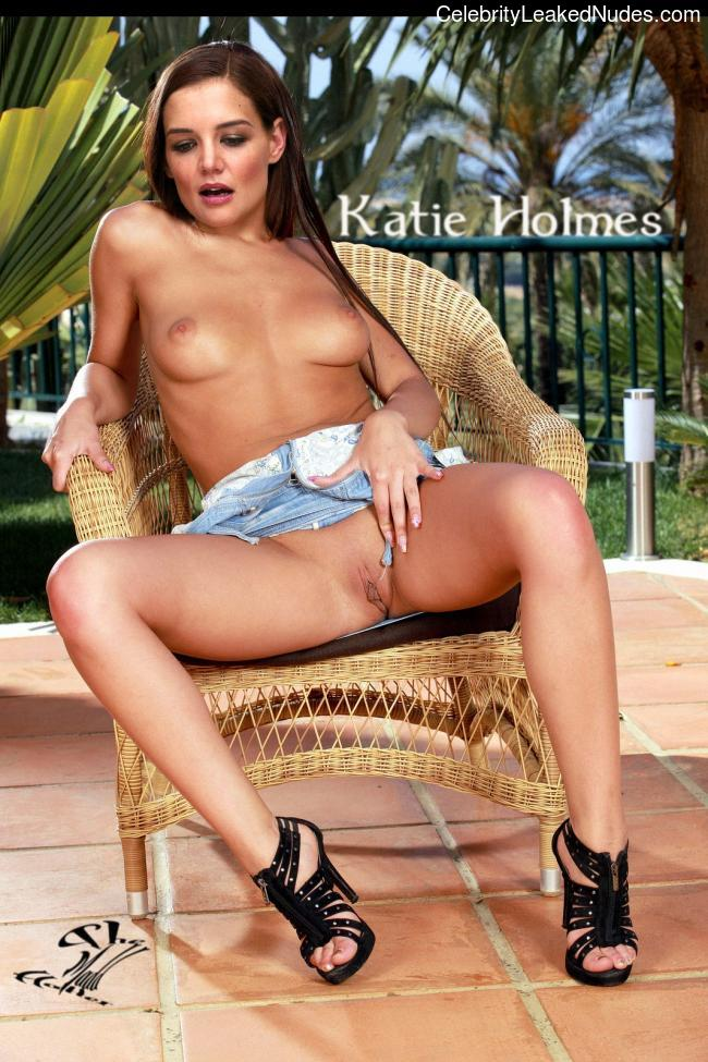 Celebrity Nude Pic Katie Holmes 1 pic