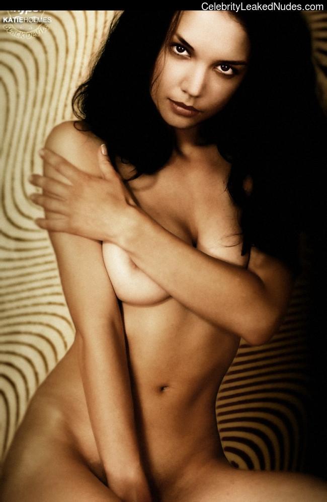 Free Nude Celeb Katie Holmes 11 pic