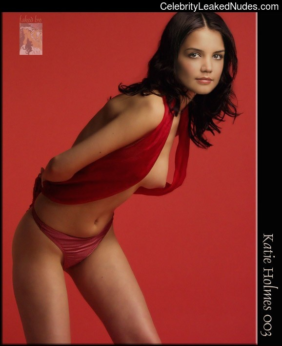 Nude Celeb Katie Holmes 21 pic