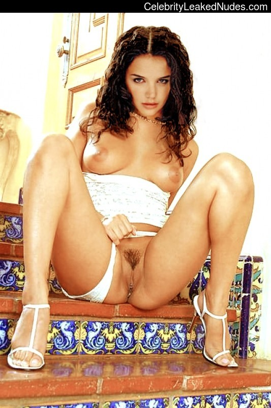 Free Nude Celeb Katie Holmes 15 pic