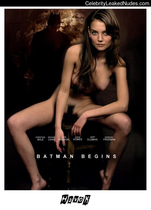 Newest Celebrity Nude Katie Holmes 18 pic