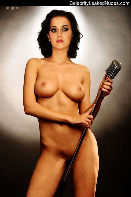 Famous Nude Katy Perry 23 pic