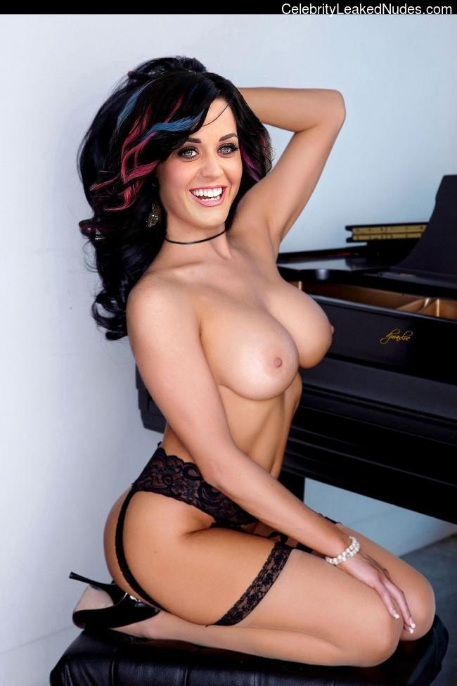 nude celebrities Katy Perry 2 pic
