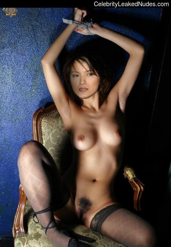 kelly hu nude gallery