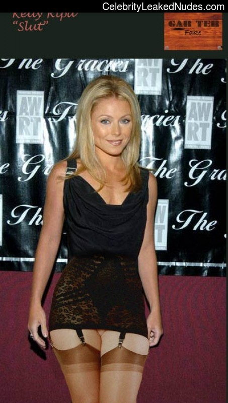 Celebrity Naked Kelly Ripa 5 pic