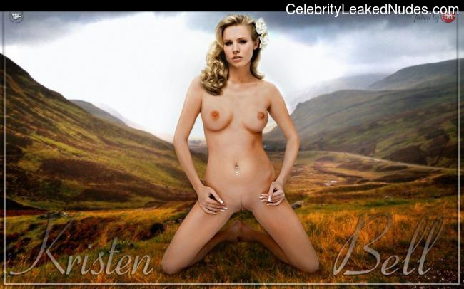 Famous Nude Kristen Bell 1 pic