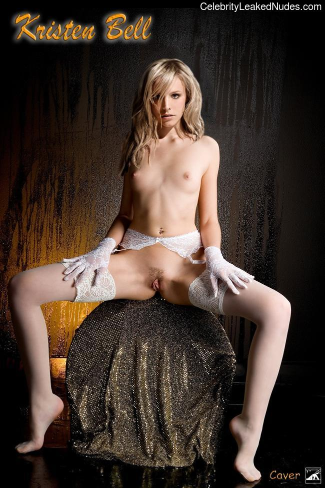Famous Nude Kristen Bell 4 pic