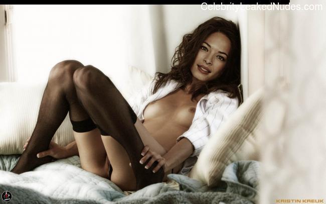 Hot Naked Celeb Kristin Kreuk 6 pic