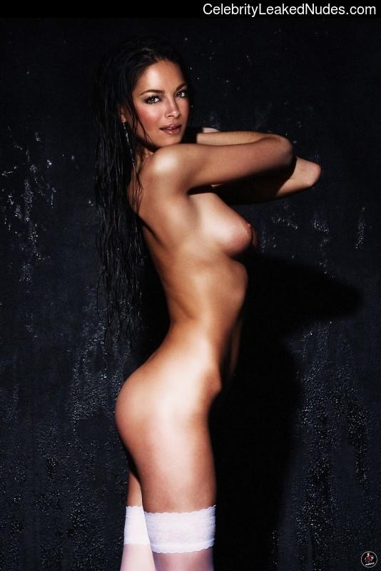 Free nude Celebrity Kristin Kreuk 15 pic