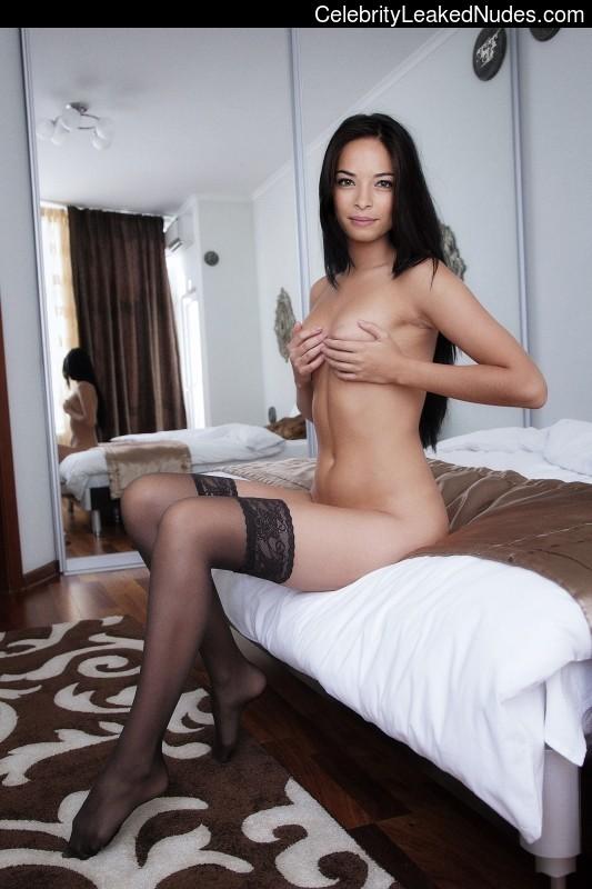 Naked Celebrity Pic Kristin Kreuk 9 pic
