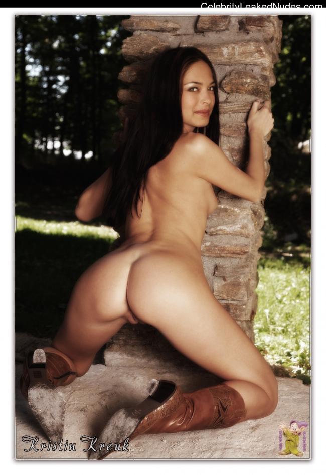 Famous Nude Kristin Kreuk 2 pic