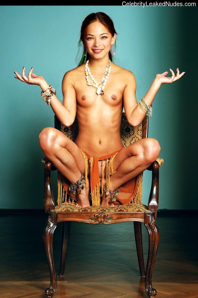 Celebrity Nude Pic Kristin Kreuk 23 pic