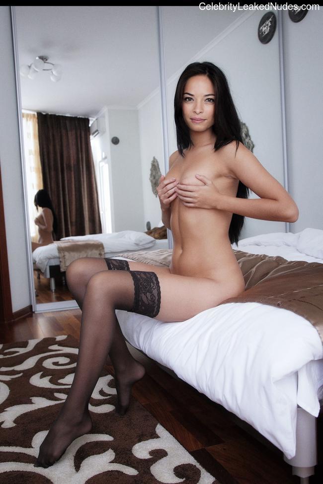 Free Nude Celeb Kristin Kreuk 5 pic