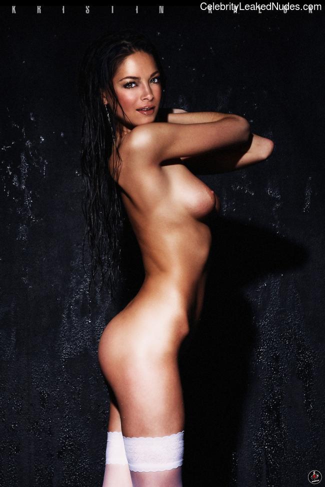 Hot Naked Celeb Kristin Kreuk 8 pic